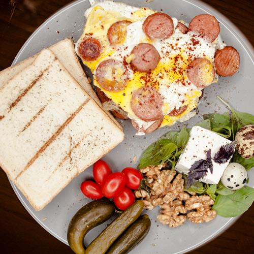 ۸ املت خوشمزه در صبحانه میورا