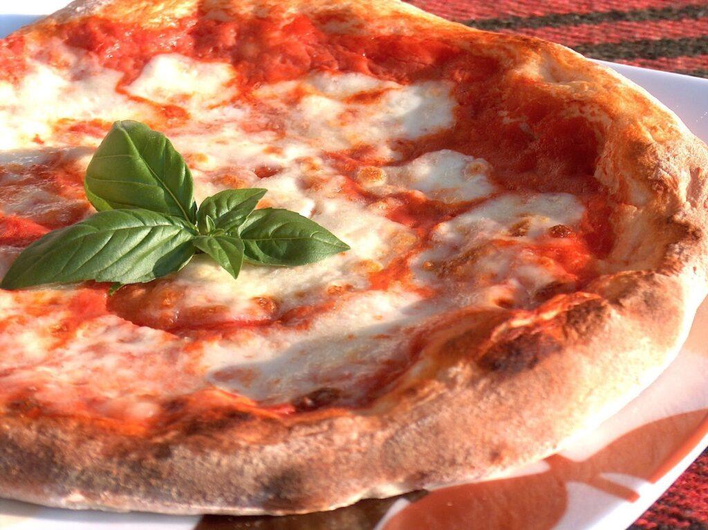 پیتزای ایتالیایی میورا
