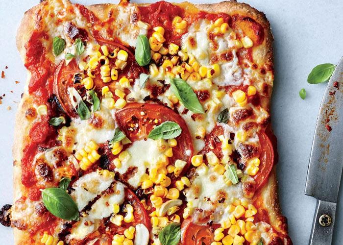 پیتزا سبزیجات ذرت و موتزرلا