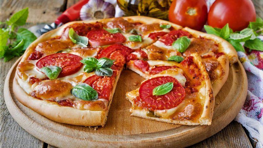 اگر گیاهخوار هستید یا ترجیح میدهید در پیتزا از مواد گوشتی استفاده نشود، این پیتزا بهترین گزینه است.