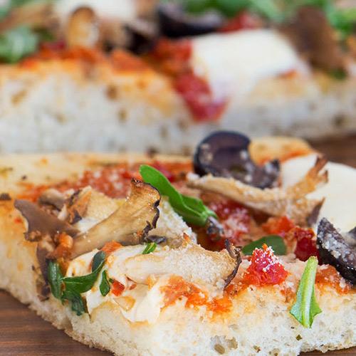 پیتزا فوکاسیا